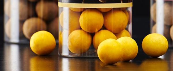 Schokokugeln mit Lakritz und Passionsfrucht